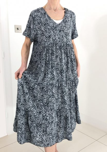 squiggle pattern dress